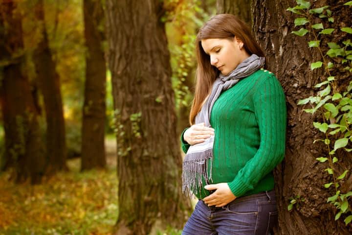 Strickmode in der Schwangerschaft | © panthermedia.net / evasilchenko